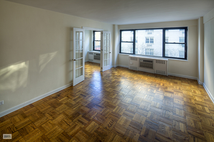 140 East 83rd Street, Upper East Side, NYC, $405,000, Web #: 1566975