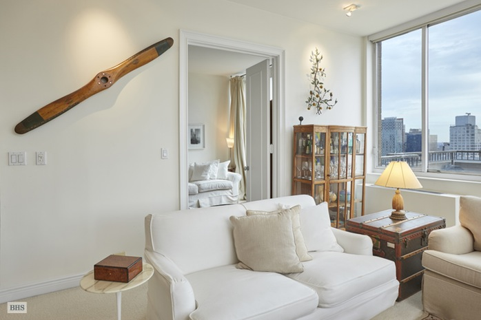 200 East 65th Street, Upper East Side, NYC, $3,100,000, Web #: 16029577