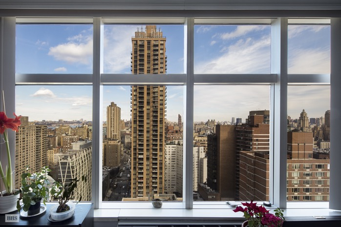 160 West 66th Street, Upper West Side, NYC, $975,000, Web #: 16085324