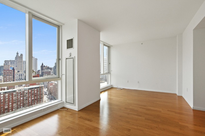 Chambers Street, Civic Center, NYC, $8,100, Web #: 16182865
