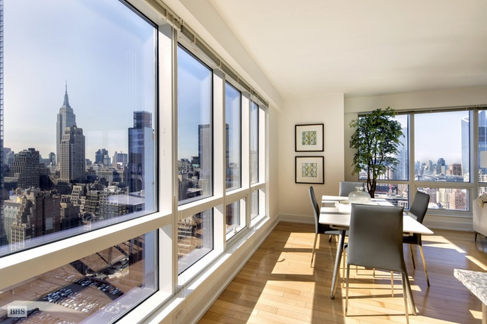 350 West 42nd Street 36G, Midtown West, NYC, $2,100,000, Web #: 16206886