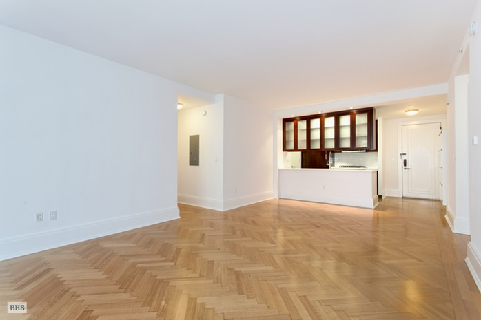 West 76th Street, Upper West Side, NYC, $9,000, Web #: 16207046