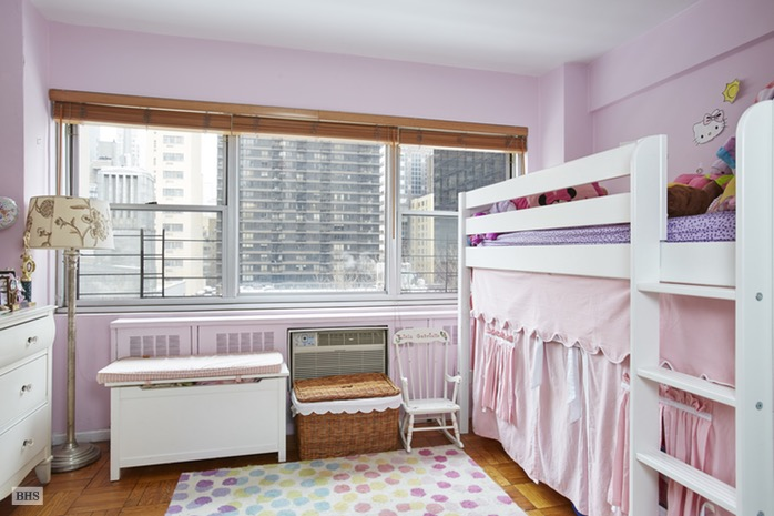 333 East 46th Street 8H, Midtown East, NYC, $720,000, Web #: 16316672