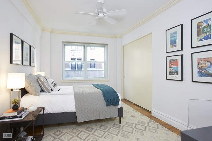 710 Park Avenue 10C, Upper East Side, NYC, $2,250,000, Web #: 16480656