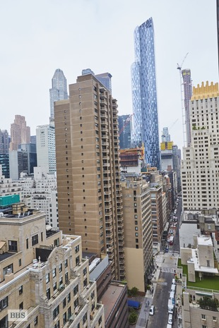 768 Fifth Avenue 1741, Midtown East, NYC, $1,350,000, Web #: 16539754