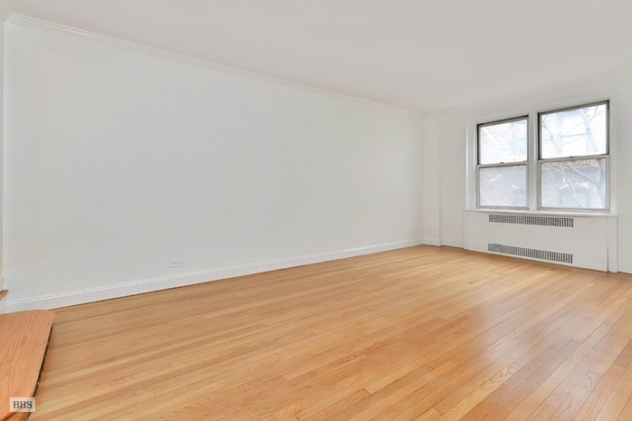 225 East 47th Street, Midtown East, NYC, $2,750, Web #: 16565991