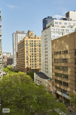 150 East 69th Street, Upper East Side, NYC, $2,175,000, Web #: 16626011