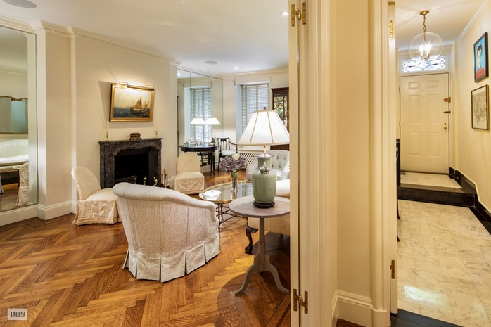 14 Sutton Place South 1F, Midtown East, NYC, $1,395,000, Web #: 16677220