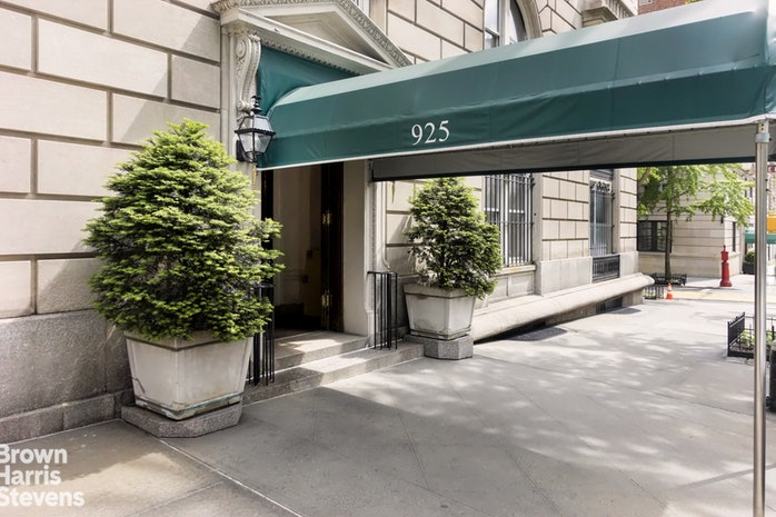 925 Park Avenue 13 14B, Upper East Side, NYC, $8,181,000, Web #: 16707502