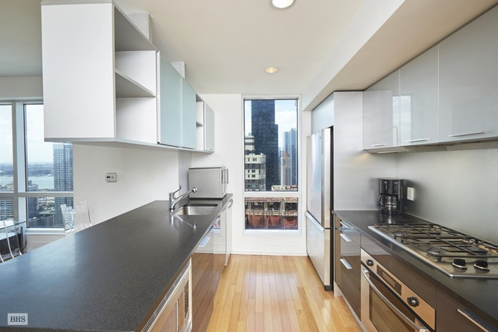 350 West 42nd Street, Midtown West, NYC, $4,250, Web #: 16877773