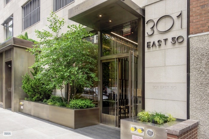 301 East 50th Street 5B, Midtown East, NYC, $2,200,000, Web #: 16907034