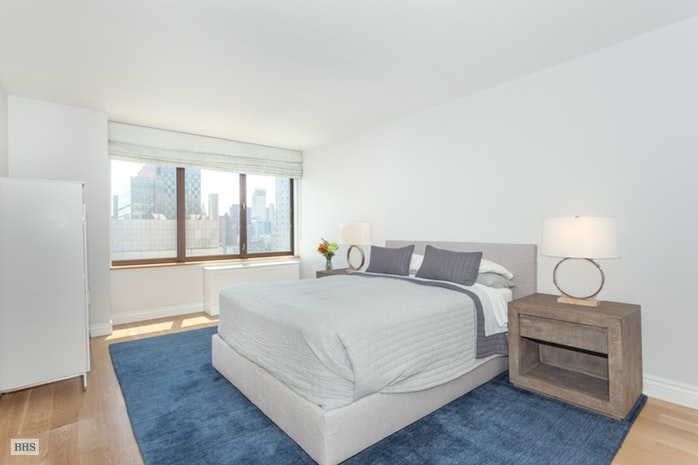 422 East 72nd Street, Upper East Side, NYC, $13,500, Web #: 17014278
