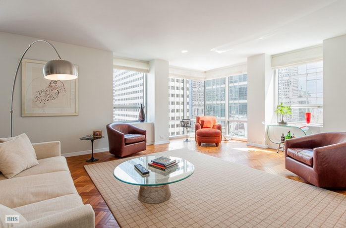 15 West 53rd Street 31B, Midtown West, NYC, $9,500, Web #: 17086935