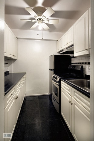 240 East 55th Street 5H, Midtown East, NYC, $2,500, Web #: 17280527