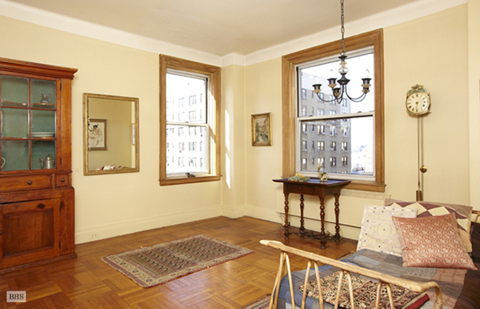 522 West End Avenue, Upper West Side, NYC, $995,000, Web #: 1736753