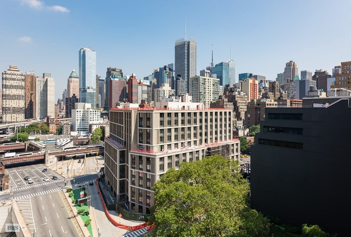 433 West 34th Street 13H, Chelsea, NYC, $699,000, Web #: 17419667