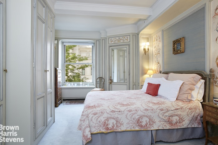 1010 Fifth Avenue 2B, Upper East Side, NYC, $4,250,000, Web #: 17460282