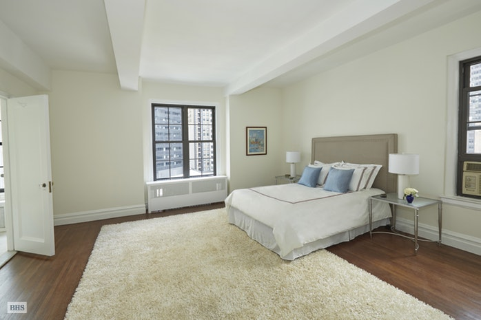 77 Park Avenue 15F, Midtown East, NYC, $1,950,000, Web #: 17525215