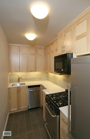 185 West Houston Street 2J, West Village, NYC, $677,500, Web #: 1753159