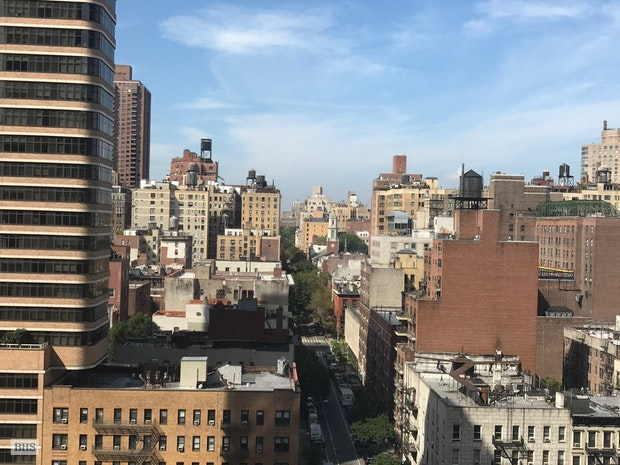 1619 Third Avenue 15D, Upper East Side, NYC, $3,600, Web #: 17531847