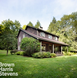 62 High Meadow Road, Outside Manhattan, $790,000, Web #: 17555642