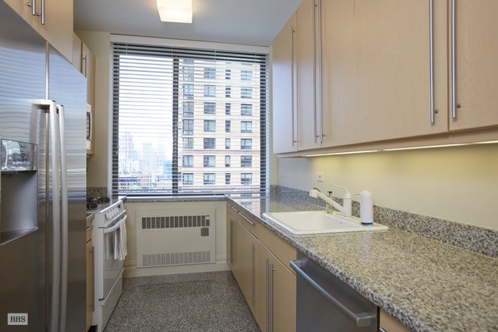 2 Columbus Avenue 8C, Upper West Side, NYC, $2,300,000, Web #: 17564881