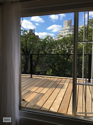 134 West 11th Street 5, Greenwich Village/Chelsea, NYC, $4,400, Web #: 17576258