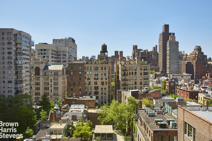 169 East 69th Street 13A, Upper East Side, NYC, $2,690,000, Web #: 17703880