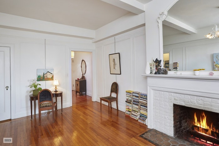 39 Fifth Avenue 11A, Greenwich Village, NYC, $1,890,000, Web #: 17757666