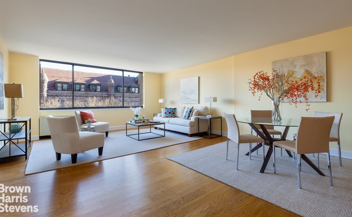 386 Columbus Avenue 8A, Upper West Side, NYC, $2,450,000, Web #: 17765204