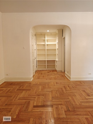 107 West 82nd Street 4C, Upper West Side, NYC, $2,900, Web #: 17772294