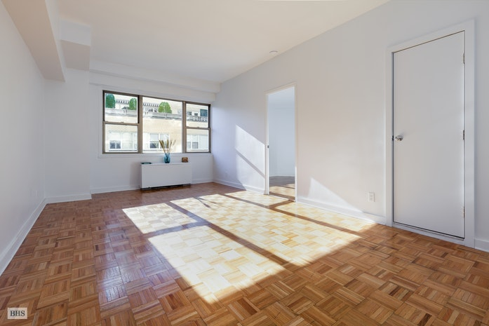 520 East 72nd Street 11H, Upper East Side, NYC, $590,000, Web #: 17777950