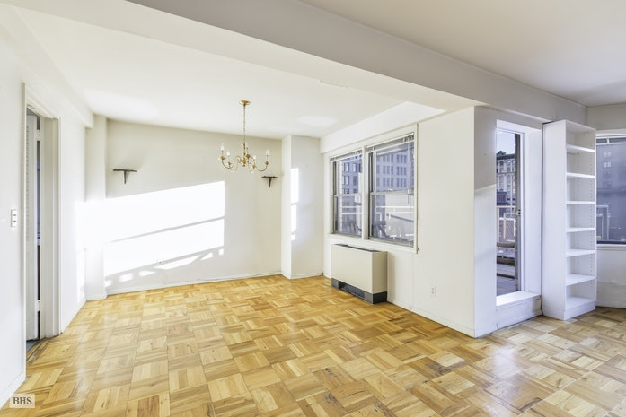 55 East 9th Street 10D, Greenwich Village, NYC, $2,350,000, Web #: 17814758