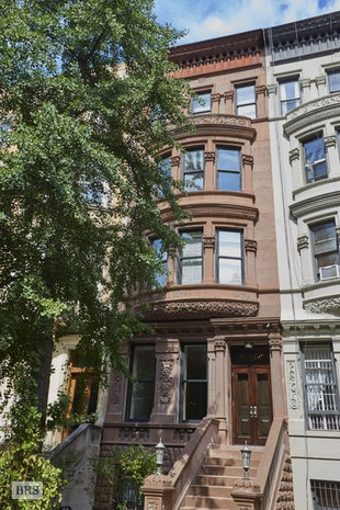 323 West 88th Street Townhouse, Upper West Side, NYC, $45,000, Web #: 17825999