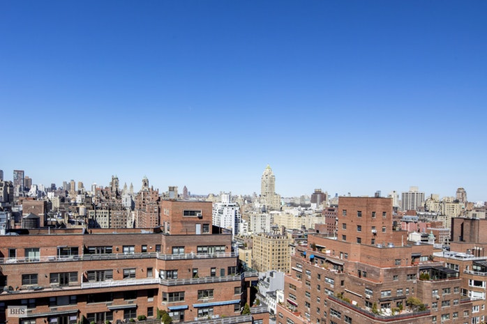 203 East 72nd Street 24B, Upper East Side, NYC, $2,295,000, Web #: 17830836