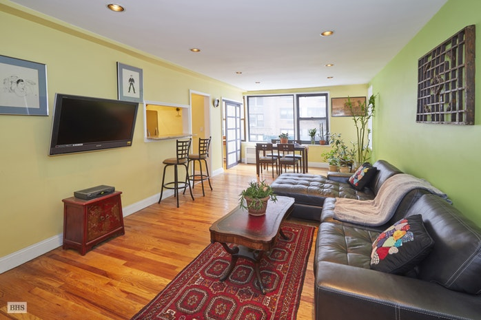 342 East 53rd Street 2A, Midtown East, NYC, $689,000, Web #: 17844428