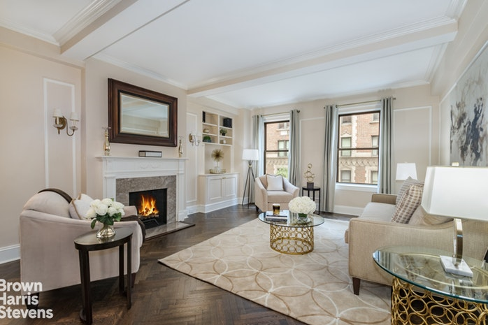 935 Park Avenue 4B, Upper East Side, NYC, $1,950,000, Web #: 17933756