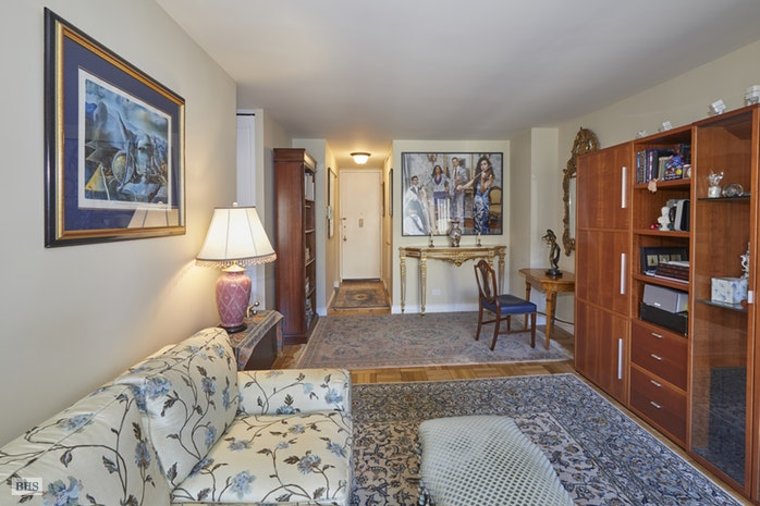 20 West 64th Street 29V, Upper West Side, NYC, $1,099,000, Web #: 17934500
