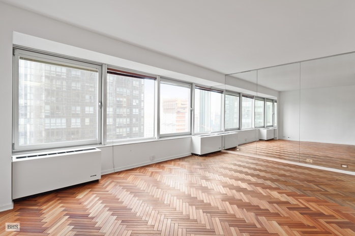 150 West 56th Street 3906, Midtown West, NYC, $875,000, Web #: 17953493