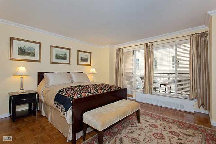 200 Central Park South 4I, Midtown West, NYC, $1,325,000, Web #: 17954925