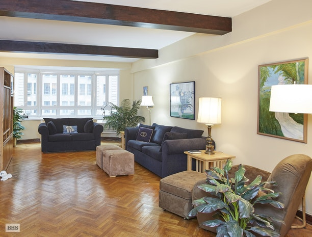 333 West 57th Street 610, Midtown West, NYC, $999,000, Web #: 17961736