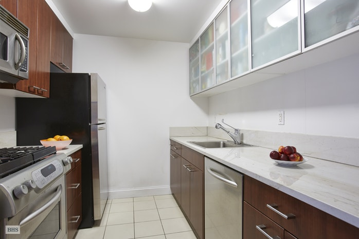 215 East 96th Street 31A, Upper East Side, NYC, $3,995, Web #: 17986979