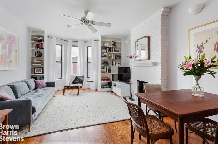221 Fifth Avenue 3B, Park Slope, New York, $799,000, Web #: 17999475