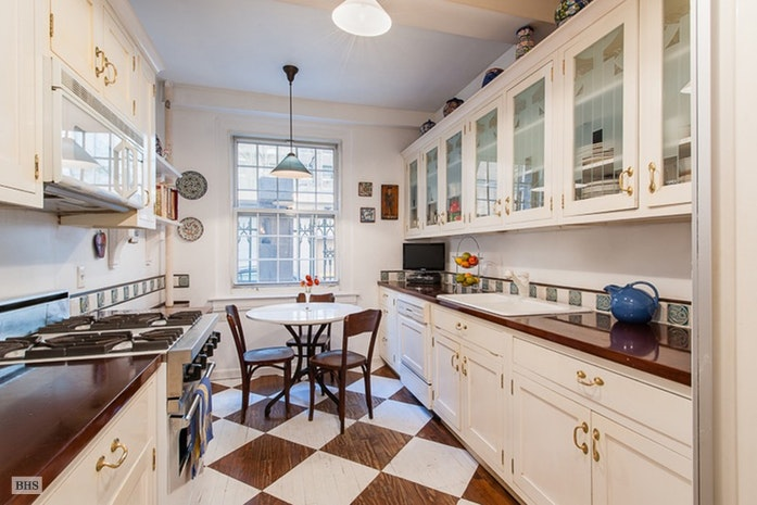15 West 67th Street, Upper West Side, NYC, $15,000, Web #: 18000095