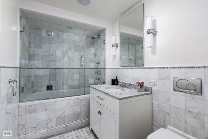 27 East 65th Street 15A, Upper East Side, NYC, $1,295,000, Web #: 18000449