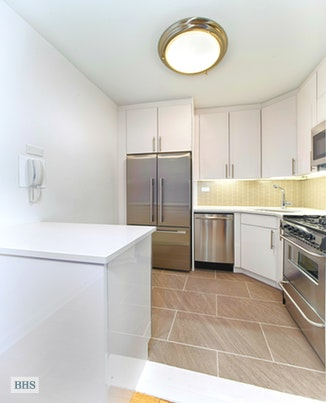 300 East 40th Street 30A, Midtown East, NYC, $2,995, Web #: 18027295