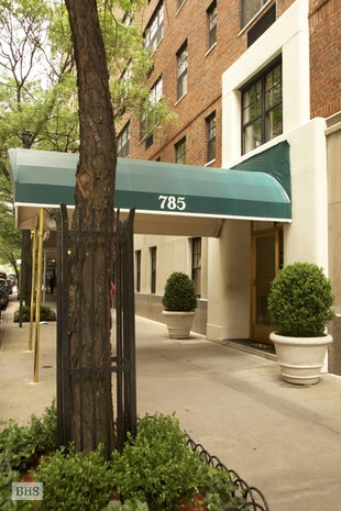 785 Park Avenue 5C, Upper East Side, NYC, $1,850,000, Web #: 18072468