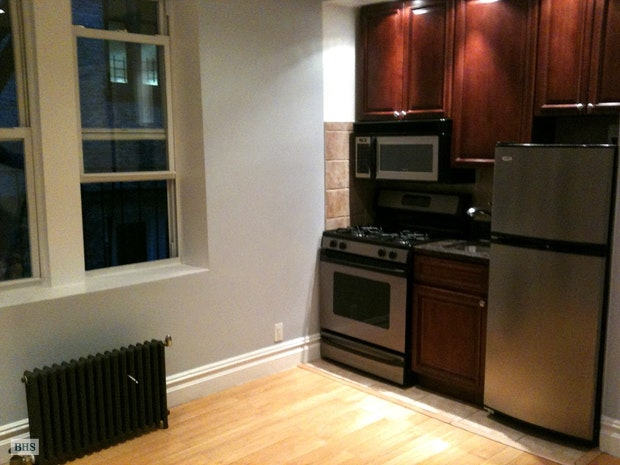 171 Eastern Parkway E8, Brooklyn, New York, $1,400, Web #: 18077859