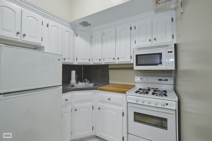 53 West 76th Street 1, Upper West Side, NYC, $2,950, Web #: 18078120