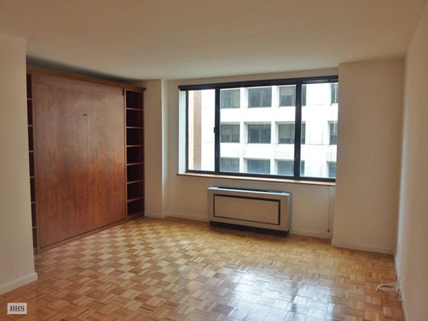 30 West 61st Street 11F, Upper West Side, NYC, $2,800, Web #: 18101741